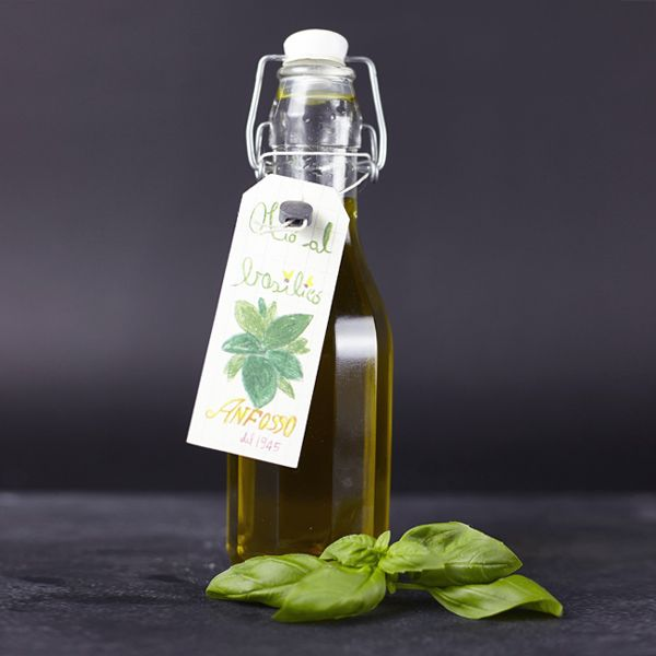 Olivenöl nativ extra mit Basilikum-Aroma